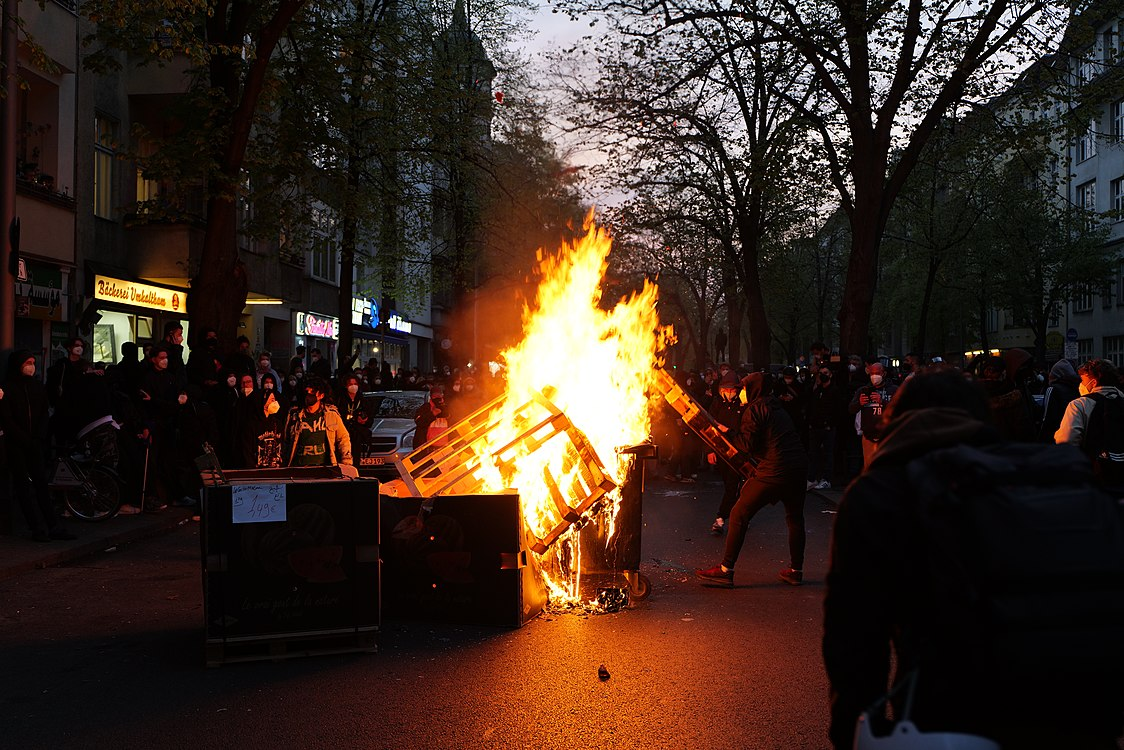 Revolutionary 1st may demonstration Berlin 2021 142.jpg