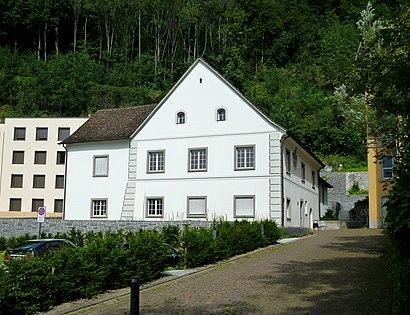 So kommt man zu dem Rheinbergerhaus mit den Öffentlichen - Mehr zum Ort Hier