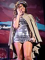 Rihanna - bercy 2011 - 26 (6269590796).jpg