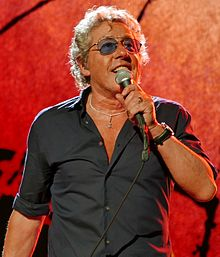 Daltrey performing live, 2016