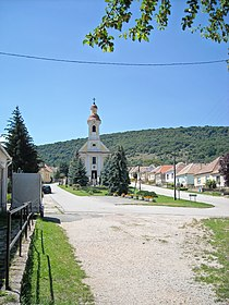 Roman Catholic church in Tardos, Hungary.jpg