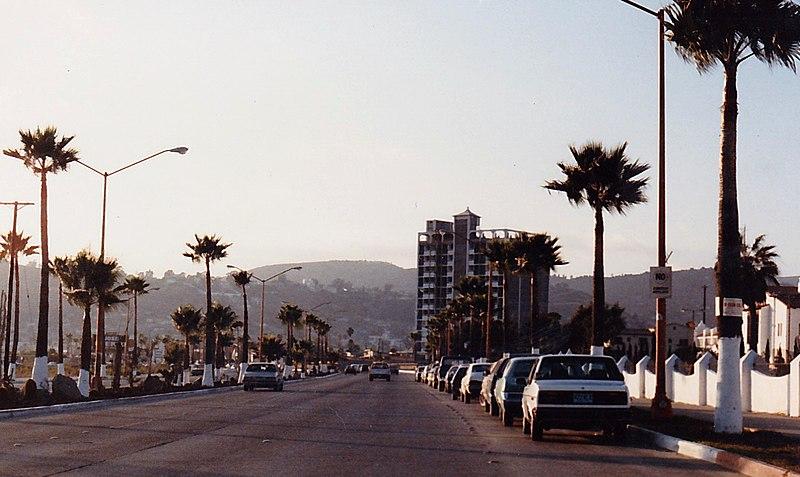 File:Rosarito Beach,B.C.Mexico. - panoramio (2).jpg