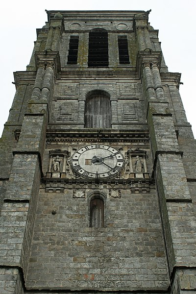 English:  South side of the tower of the église Saint-Denis in Sézanne (Marne, France).