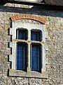 Saint-Germain-des-Prés (24) château fenêtre.jpg