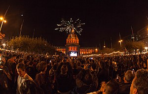 San Francisco Giants Fans Celebrating World Series Win 2014.jpg