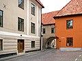 Sankt Hansgatan 25 och Klosterbrunnsgatan 1A, Visby.jpg