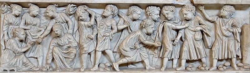 Sarkophag mit spielenden Kindern
