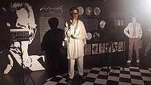 Satyajit Ray at Mother's Wax Museum, Calcutta