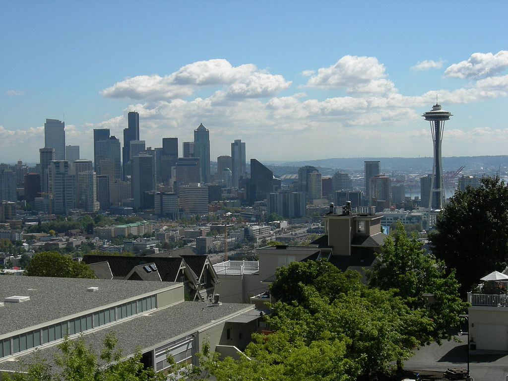 Seattle skyline from Queen Anne High School 01
