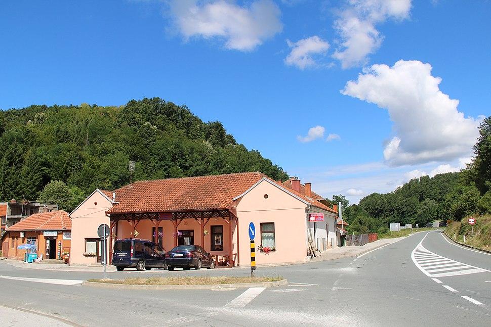 Selo Pričević - opština Valjevo - zapadna Srbija - centar sela 2