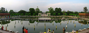 Shalimar gardens lahore wikipedia the free encyclopedia for Terrace meaning in urdu