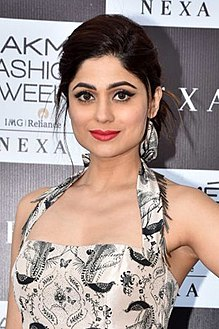 Shamita Shetty graces the red carpet of Lakme Fashion Week 2018 (08) (cropped).jpg