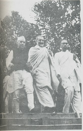 Sheikh Abdullah - Sheikh Abdullah with Nehru and Badshah Khan (centre) at Nishat Garden in 1945