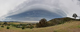 Arcus cloud - Underside of a weak shelf cloud