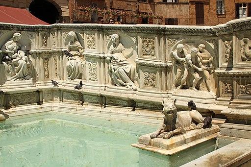 Piazza del Campo a Siena con la Fonte Gaia (con a destra l'Espulsione dal Giardino dell'Eden)