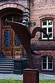 Skulptur vor dem Haus am Kleistpark 20140704 6.jpg