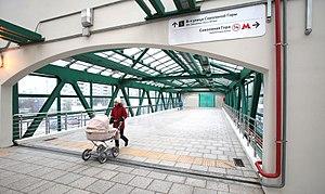 Sokolinaya Gora (Moscow Central Circle) - Image: Sokolinaya Gora platform pedestrian overpass