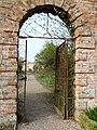 Spetchley Park Gardens-geograph-2338039.jpg