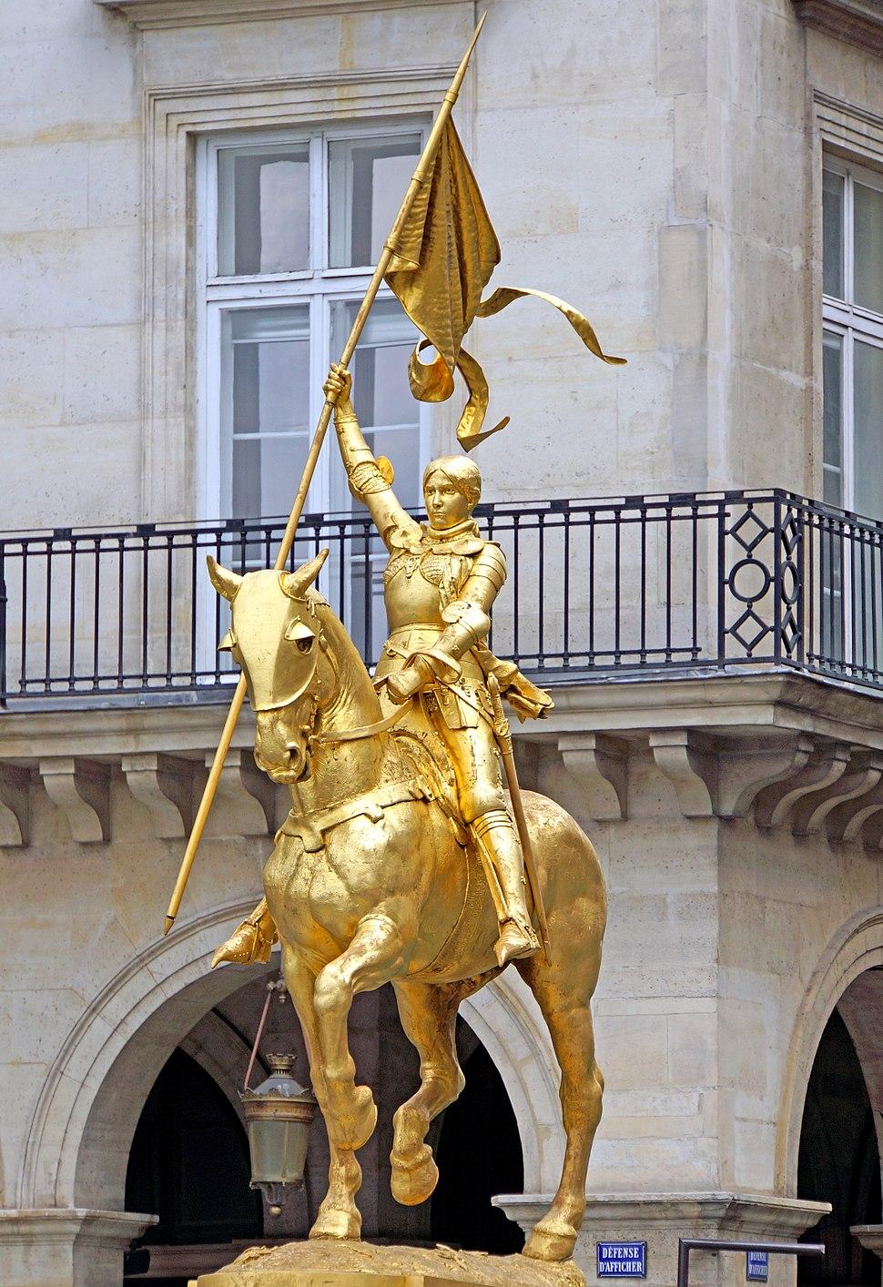 Statue of Jeanne d'Arc in Paris, Place des Pyramides - France - 4 July 2014