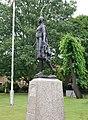 Statue of Pocahontas, Gravesend (01).jpg