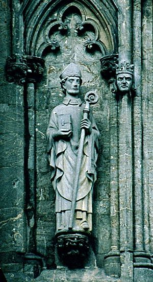 Swithun - Statue of Saint Swithun in the Stavanger Cathedral