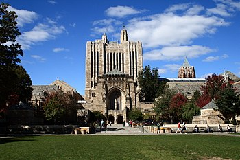 Sterling Memorial Library, October 17, 2008.jpg