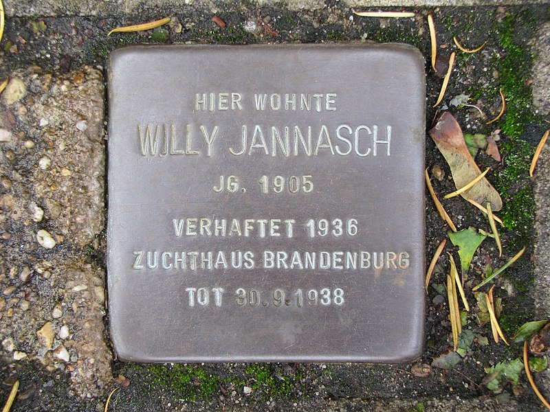 File:Stolperstein Willy Jannasch.jpg