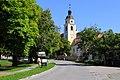 Straß im Straßertale Marktplatz Pfarrkirche.jpg