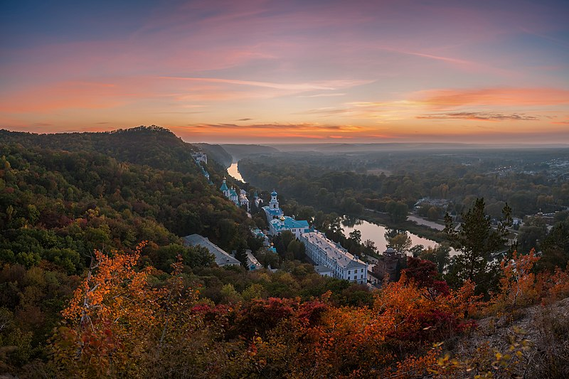 File:Svyatogorsk autumn sunset.jpg