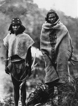 Rarámuri people - Two Tarahumara men photographed in Tuaripa, Chihuahua, in 1892 by Carl Lumholtz