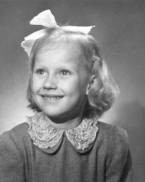 5 years old Tarja Halonen in 1948