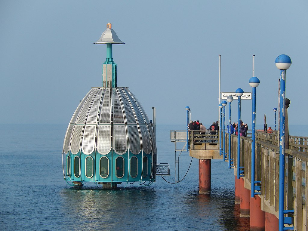Tauchgondel (diving gondola) in Zingst, Germany
