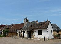 Temple-Laguyon église mairie.JPG