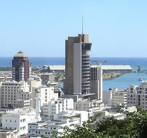 The Bank of Mauritius tower (in the centre).jpg
