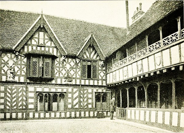 The Quadrangle, Leicester's Hospital, Warwick.jpg