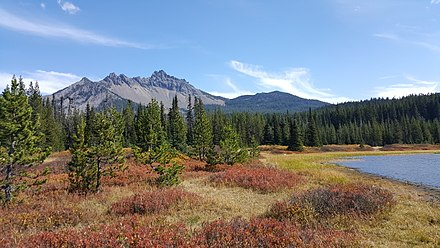 Three Fingered Jack as seen from Santiam Lake Three Fingered Jack and Santiam Lake.jpg