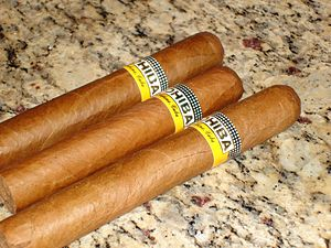 Diplomatic gift - Image: Three cohiba cigars