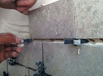 Shim (spacer) - Mounting a tile spacer
