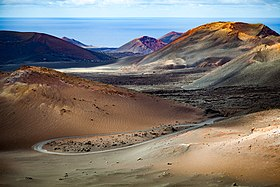 Timanfaya colors - 25411490706.jpg
