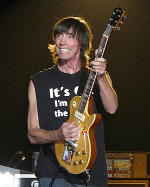 Tom Scholz - Tom Scholz live with Boston June 13, 2008 Hinckley, Minnesota