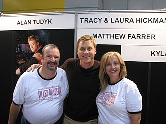 Tracy Hickman - Image: Tracy Hickman with Alan Tudyk and Laura Hickman
