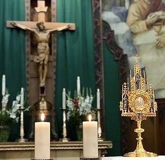 Saint Thomas Aquinas Cathedral - Image: Transubstantiation Eucharistic Adoration at St Thomas Aquinas Cathedral in Reno NV USA