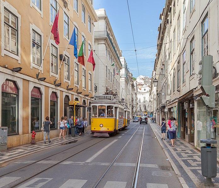 Ficheiro:Tranvía 553 en Rua da Conceição, Lisboa, Portugal, 2012-05-12, DD 01.JPG