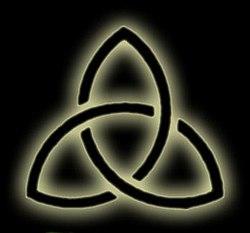 Triquetra   triquatra       symbol wykorzystywany szczeg  243 lnie w    Triquetra