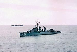 USS Bearss (DD-654) underway c1957.jpg