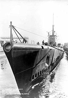 سلاح البحريه الامريكيه المشاركه في الحرب العالميه الثانيه 220px-USS_Gato%3B0821235
