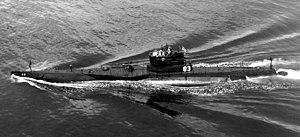 USS R-6 (SS-83) - Image: USS R 6 (SS 83) testing snorkel