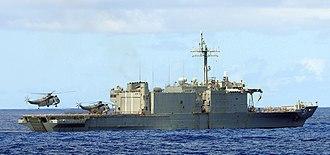 HMAS Kanimbla (L 51) - Image: US Navy 100713 N 7058E 050 A Royal Australian Navy Sea King helicopter lands on the aft flight deck of HMAS Kanimbla (L 51)