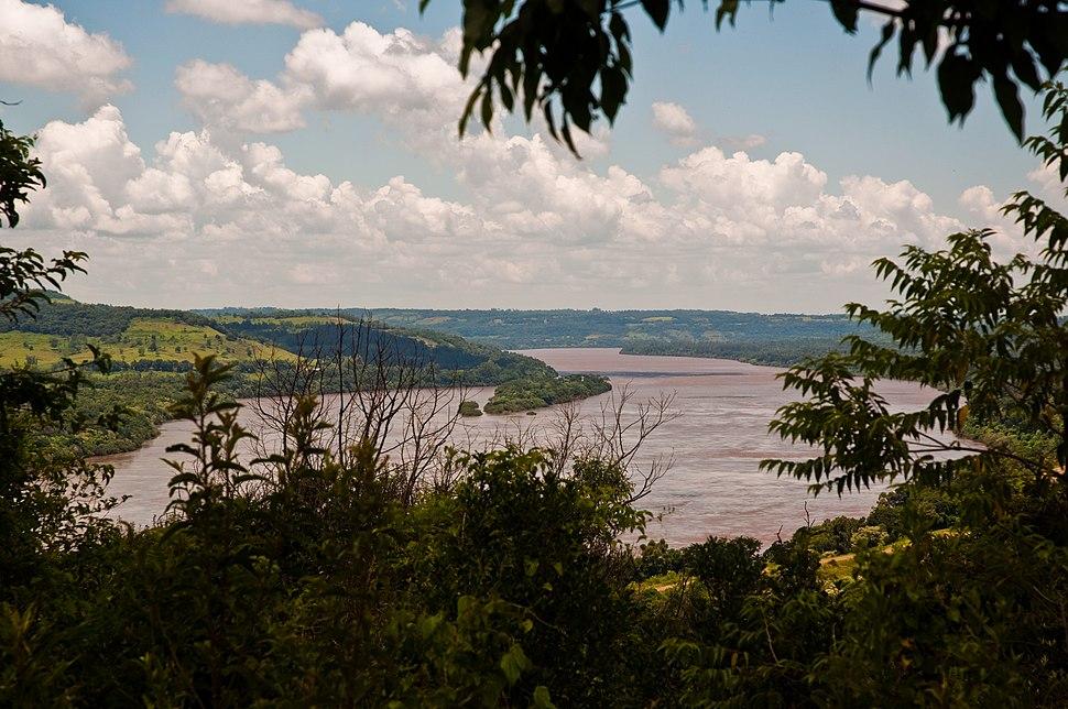 Uruguay River near El Sobrario, Misiones, Argentina, 12th. Jan. 2011 - Flickr - PhillipC