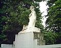 Vélodrome statue 4 Lyon.jpg